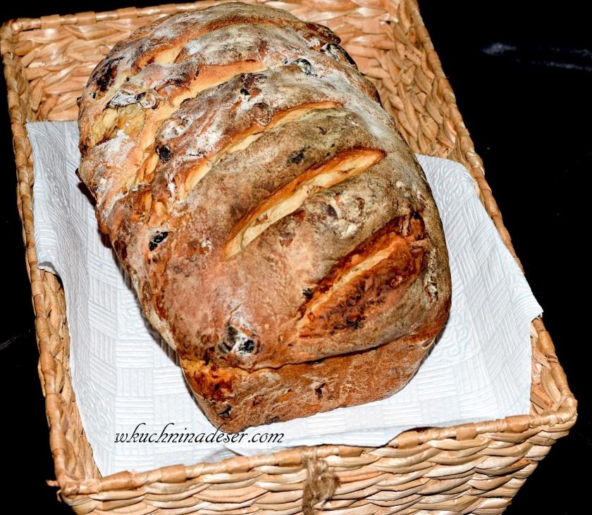 Chleb orzechowy ze sliwkami